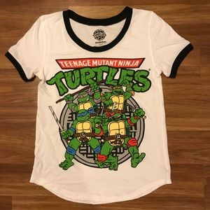 Juniors TMNT T-shirt Size Med 7/9